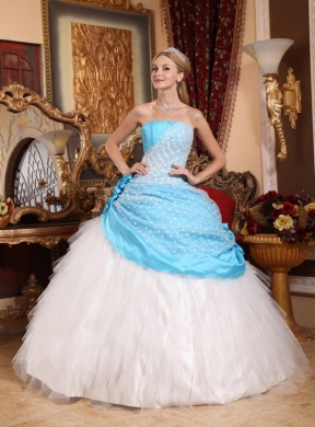 Beautiful Ball Gown Strapless Floor Length Taffeta And Tulle Hand Made Flowers Quinceanera Dress