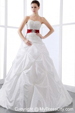 Sweetheart Appliques and Pick-ups Chapel Train Wedding Dress with ...