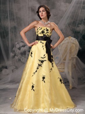 Yellow And Black A Line Prom Dress Strapless Appliques