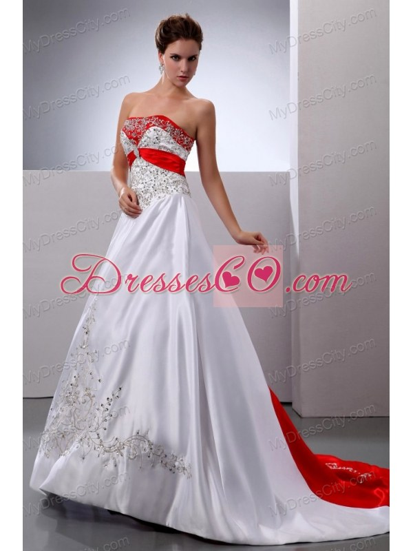 New Arrival 2017 Wedding Dress With Embroidery And Beading Court Train A Line