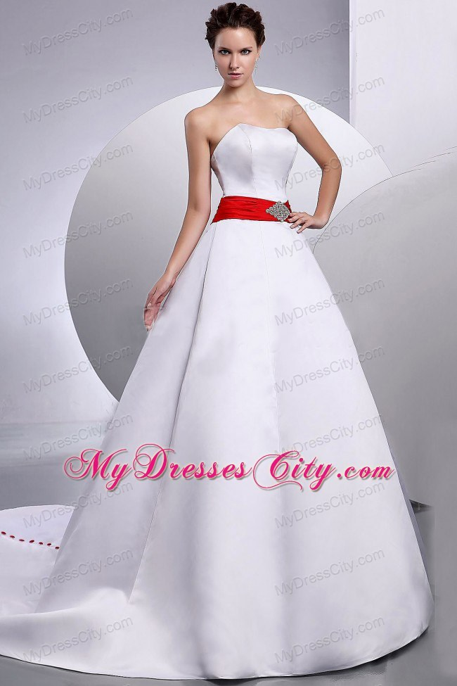Beaded Court Train Clasp Handle Wedding Gown With Red Belt