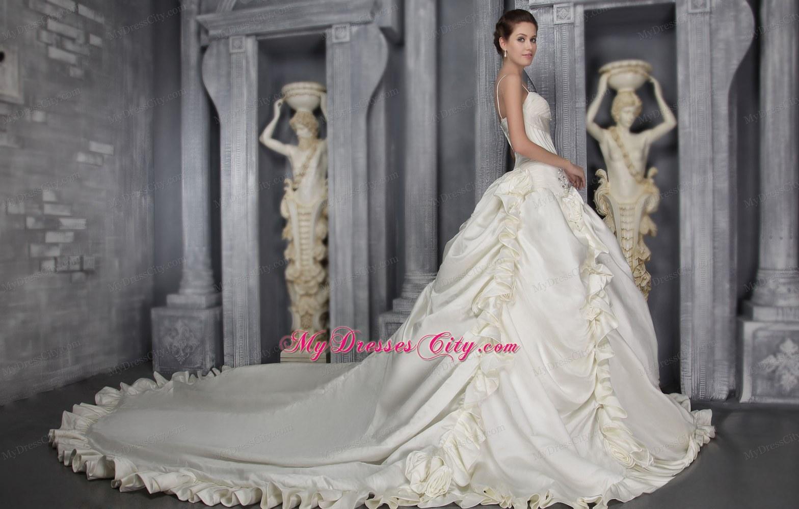White Princess Straps Taffeta Beading Wedding Dress with