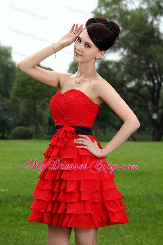 Ruched Sweetheart Layers Red Bridesmaid Dress With Black