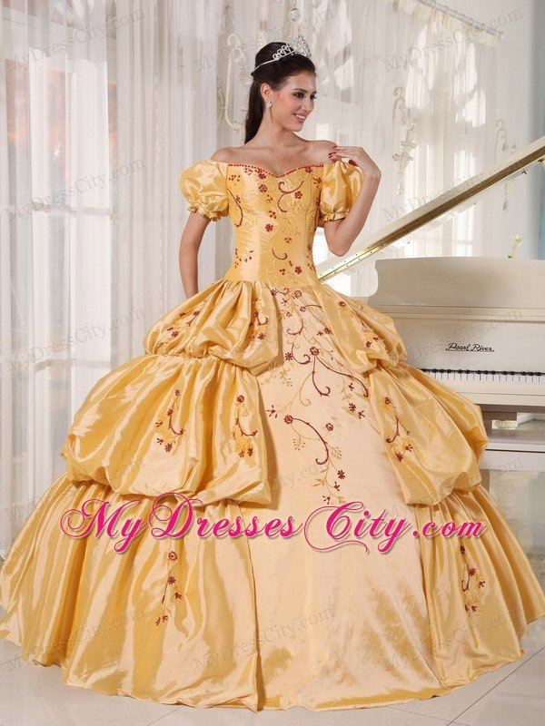 Shoulder Pick Ups Embroidery Gold Quinceanera Dress with Short Sleeves