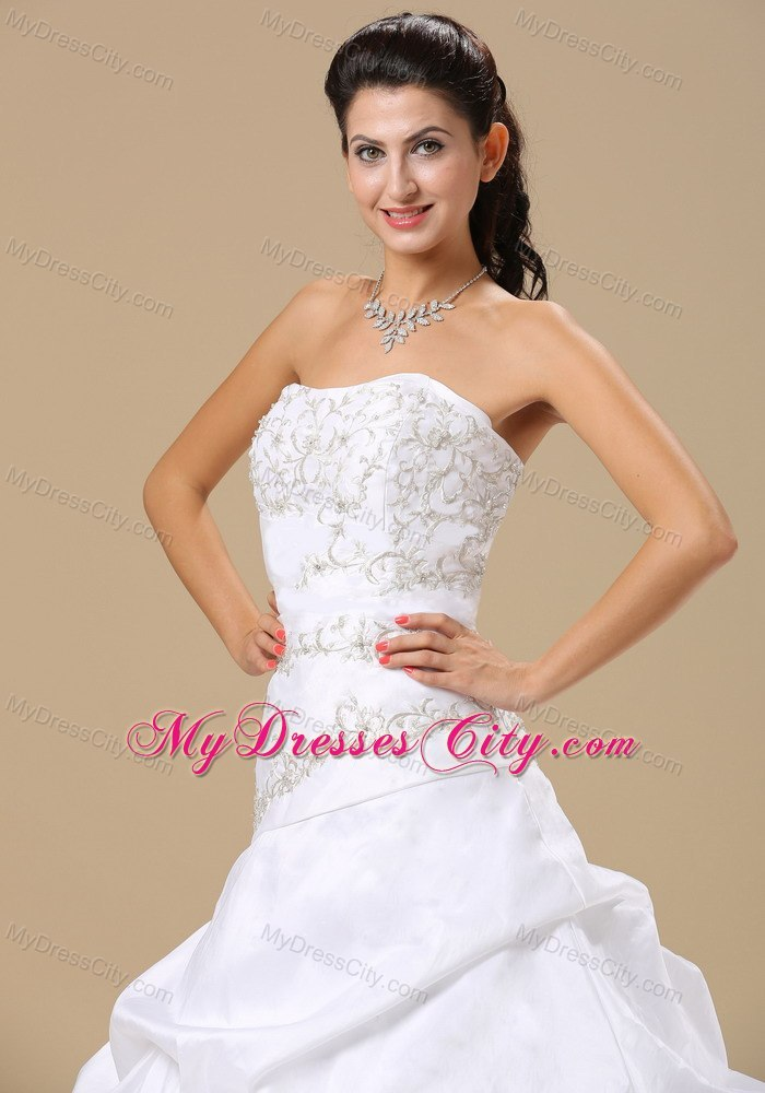 Embroidery Decorate Strapless A Line Pick Ups Bridal Gown With Train