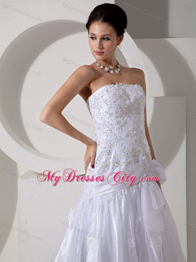 Beading appliques court train wedding gown with bowknot for Bracelet for wedding dress