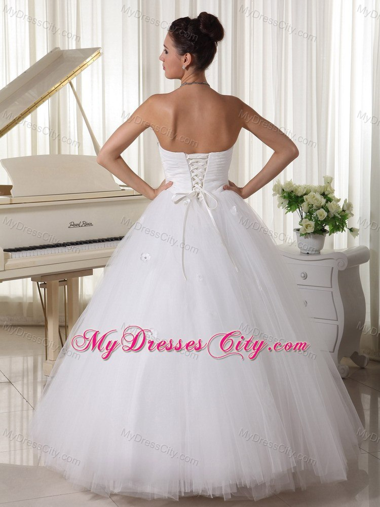 Tulle strapless princess beaded cheap garden wedding for Average wedding dress budget