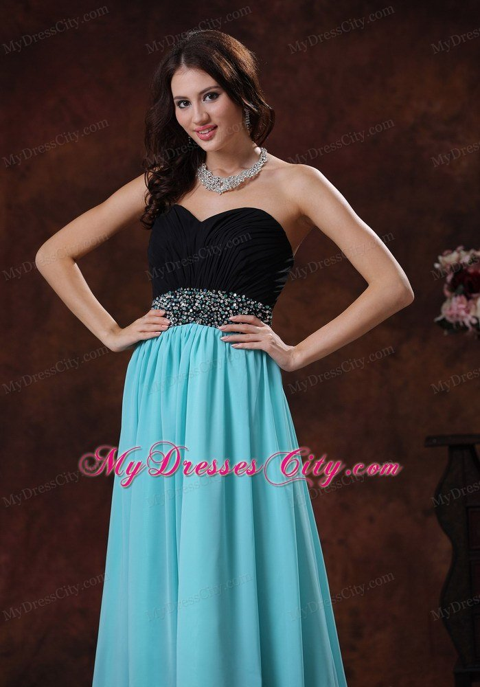 latest-prom-dresses-ffxd090507-4.jpg