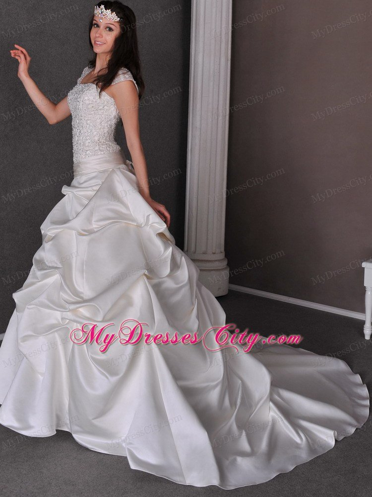 2013 Romantic Chapel Train Appliques and Pick-ups wedding Gown
