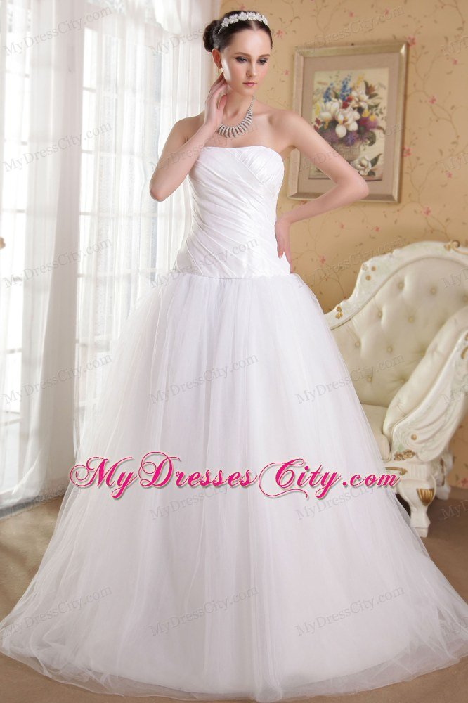 Simple Princess Strapless Ruching Wedding Dress With Chapel Train
