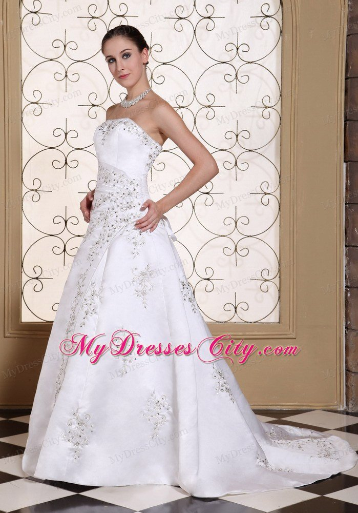 Lace Wedding Dresses Queensland : Elegant beaded strapless a line embroidery wedding dress