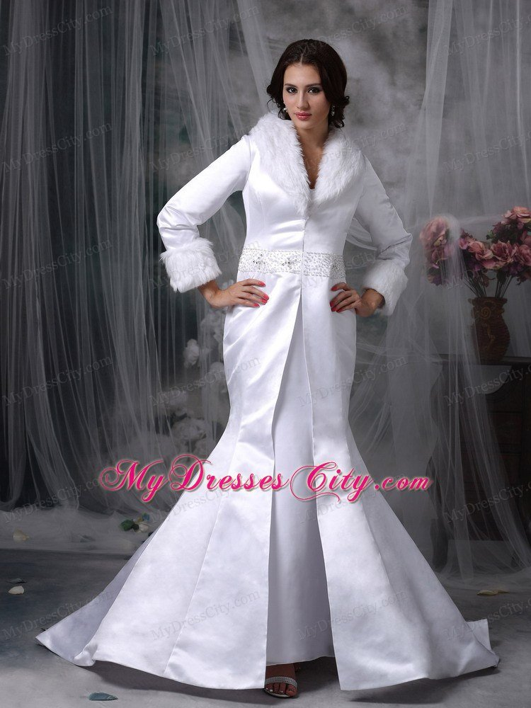 Wedding dress with fur collar