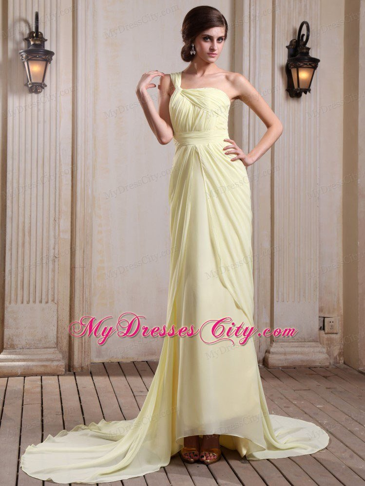 Yellow Green Celebrity Dress With One Shoulder and Court Train