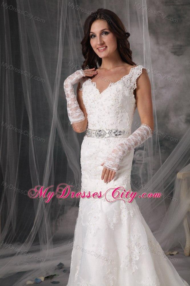 Luxurious Lace V Neck Column Court Train 2017 Garden Wedding Dresses